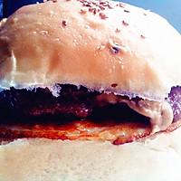 黑胡椒牛肉汉堡