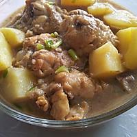 酒酿鸡翅根炖土豆