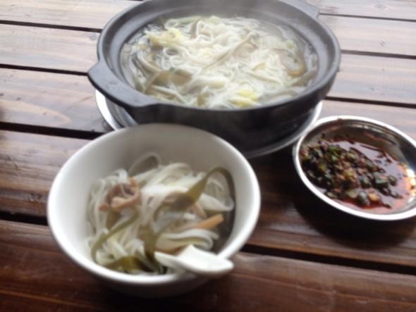 早餐 三鲜砂锅米线