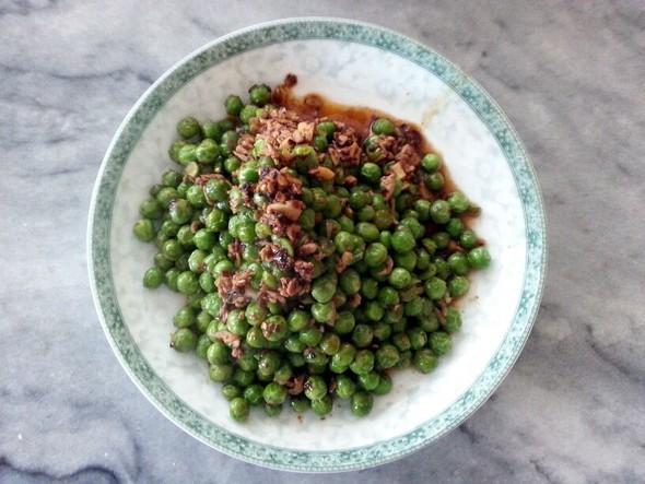 炒白菜,豌豆炒肉,吃剩的早餐,辣炒西兰花_佳宝的美食