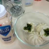 香菇菜包+味全乳酸菌