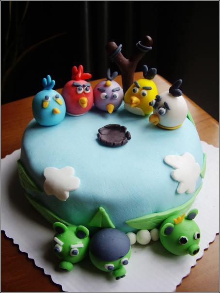 草莓印花奶油蛋糕卷,愤怒的小鸟翻糖蛋糕,可爱的翻糖