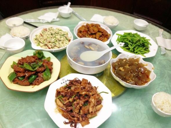 青岛海鲜大餐