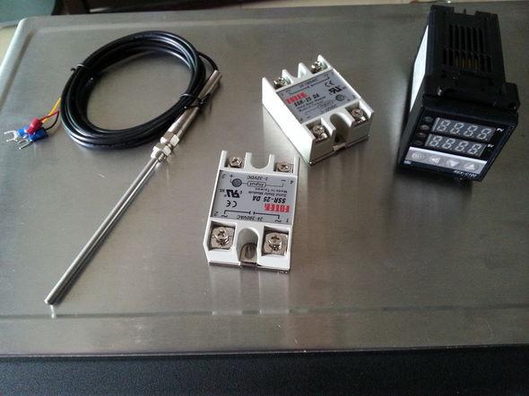 个智能温控器,两个固态继电器和两个感温探头才140元