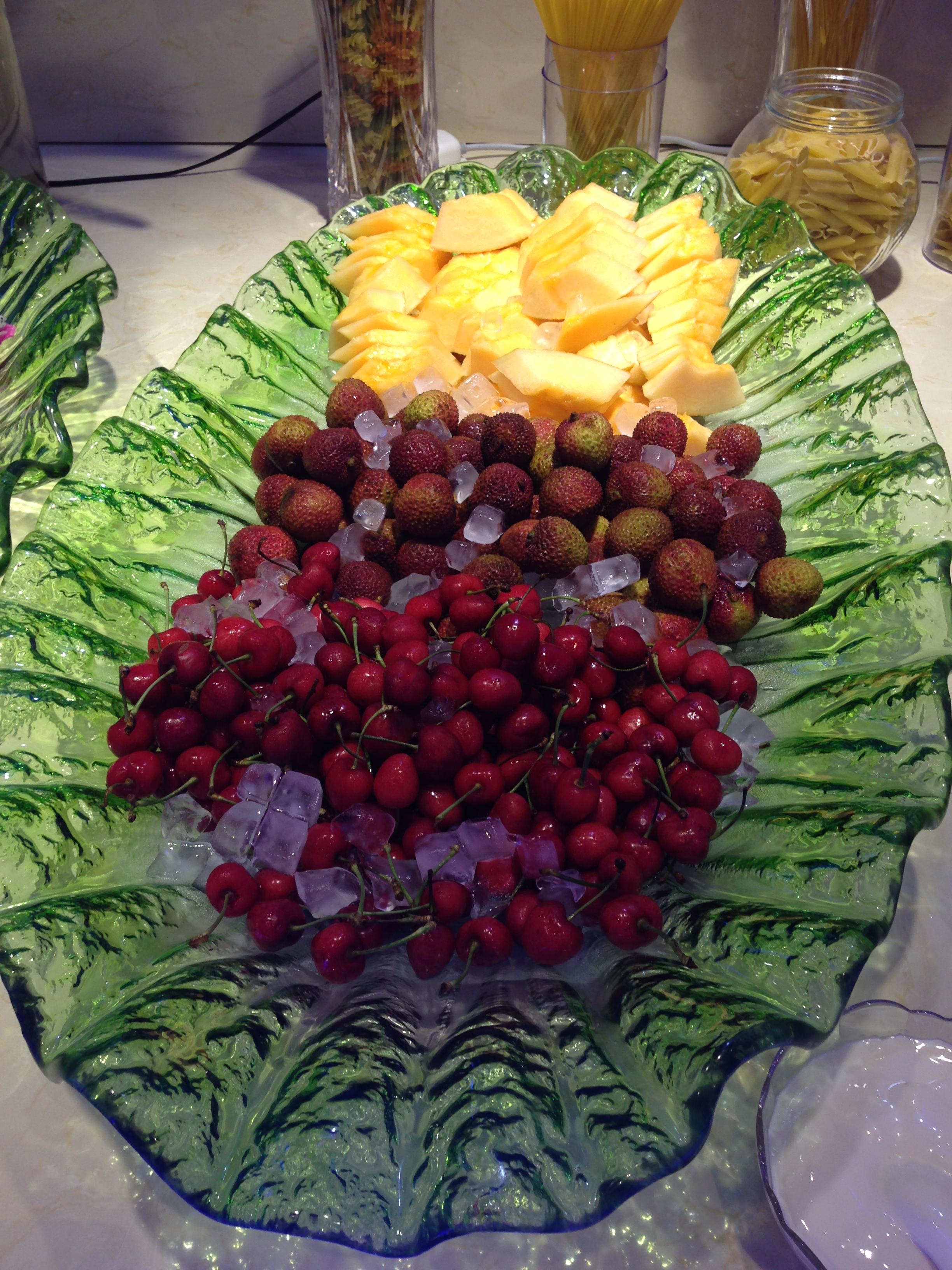 水果加鲜花图片素材