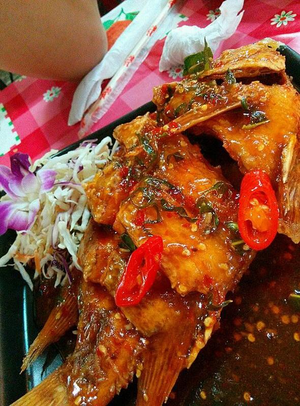 普吉岛海鲜大排档-酸甜鱼