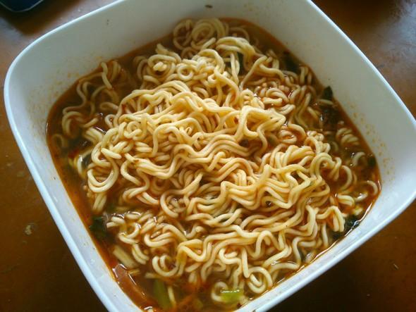 一家人吃方便面_菁儿爱葱的美食日记_豆果美食