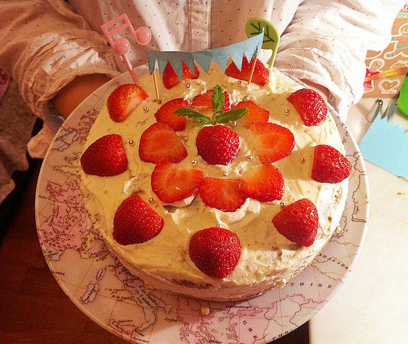 草莓奶油可可海绵蛋糕