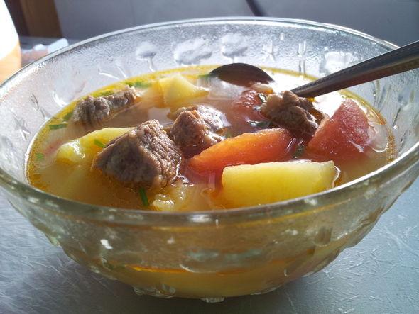 牛腩番茄土豆炖汤