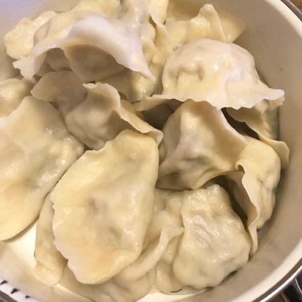 茴香鸡蛋白蘑菇饺子
