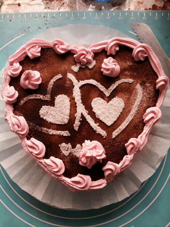 高端大气上档次的蛋糕托盘图片